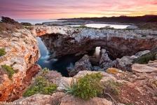 Cala-Varques-Felsbogen-Mallorca-Sonnenuntergang