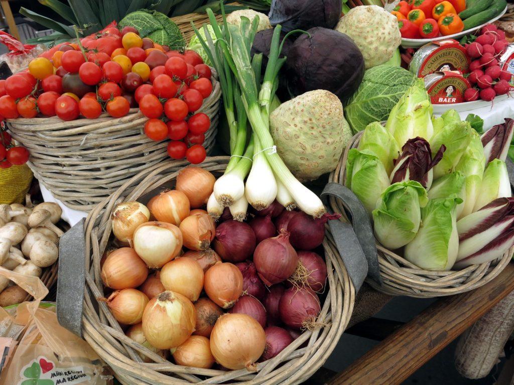Frisches Obst und Gemüse direkt vom Bauern.